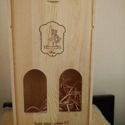 vỏ rượu vang bằng gỗ