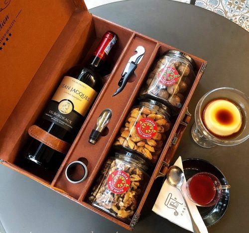 Hộp đựng set quà kèm rượu vang